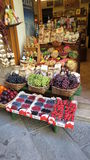 Compteur de boutique de fruit Photographie stock