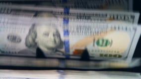 Compteur moderne de facture avec l'argent dans lui clips vidéos