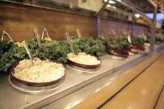 Comptoir à salades Image stock