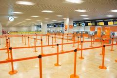 Comptoir d'enregistrement d'aéroport Photos stock