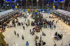 Comptoirs d'enregistrement à l'aéroport de Suvarnabhumi Images libres de droits