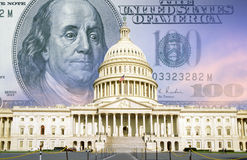Compuesto de Digitaces: U S Capitolio con cientos billetes de dólar Imagen de archivo libre de regalías