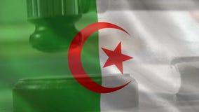 Compuesto de Digital de la bandera y del mazo argelinos almacen de metraje de vídeo