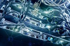 Computación y comunicación de la nube de la infraestructura de la tecnología Concepto del Internet fotos de archivo libres de regalías