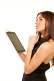 Computador da almofada de toque da tabuleta da terra arrendada da mulher Fotos de Stock Royalty Free