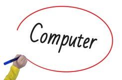 Computador da escrita da mão da mulher com marcador Fotos de Stock Royalty Free