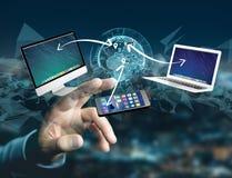 Computador e dispositivos indicados em uma relação futurista com dentro Foto de Stock