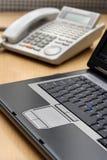 Computador e telefone Fotografia de Stock Royalty Free