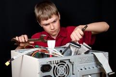 Computador quebrado. Imagens de Stock