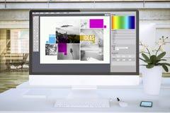 computador typesetting da tela do software no modelo do escritório ilustração stock