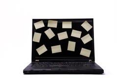 Computadora portátil con las etiquetas engomadas vacías Imagen de archivo libre de regalías