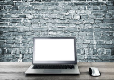 Computadora portátil en interior Imagen de archivo libre de regalías