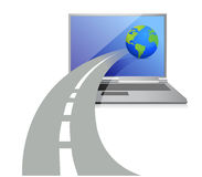 Computadora portátil y un camino que lleva al globo Imagenes de archivo