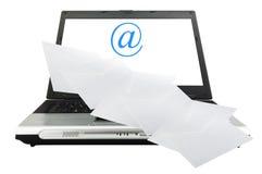 Computadora portátil con el email Fotografía de archivo