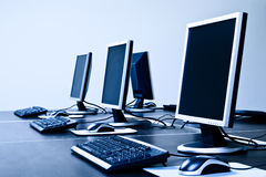 Computadores com telas do LCD Fotografia de Stock Royalty Free