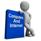 Computadores e livro do Internet com caráter ilustração stock