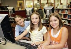 Computadores na sala de aula Fotos de Stock Royalty Free