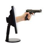 Computerüberwachungsgerät und -hand mit Gewehr Stockbilder