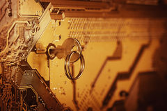 Computer-Chip mit Schlüssel Stockfotografie