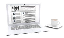 Computer en een vergrootglas Royalty-vrije Stock Afbeeldingen