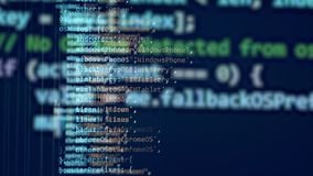 Computer funzionante con un codice di programmazione su uno schermo illustrazione di stock