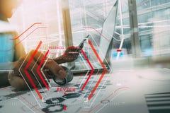 Computer Halogram-Zielgeschäftsanfangskonzept Geschäftsmannarbeit Lizenzfreies Stockfoto