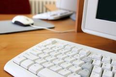 Computer in het klaslokaal Stock Foto's