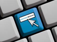Computer Keyboard: Response Measurement german. Computer Keyboard with Mouse arrow showing Response Measurement in german language Royalty Free Stock Image
