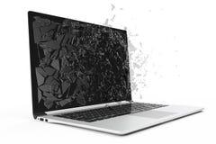Computer of laptop met het gebroken die scherm op witte achtergrond voor uw ontwerpproject wordt geïsoleerd, het 3D Teruggeven Royalty-vrije Stock Foto's