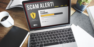 Computer-on-line-Schutz-Alarm-Konzept Lizenzfreie Stockfotos