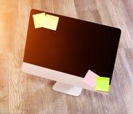 Computer nell'alta definizione con il computer portatile, la compressa ed il cellulare Immagine Stock Libera da Diritti