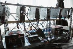 Computer per estrazione mineraria di Bitcoin Fotografia Stock