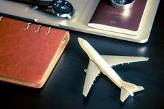 Computer portatile accessorio di viaggio e dell'aereo per il viaggio d'affari Immagini Stock