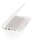Computer portatile aperto di bianco con lo schermo nero Immagini Stock