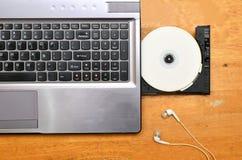 Computer portatile con DVD-ROM Immagine Stock Libera da Diritti