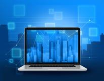 Computer portatile con i grattacieli Immagini Stock Libere da Diritti