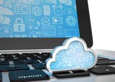 Computer portatile con il simbolo di calcolo della nuvola sulla tastiera Fotografia Stock