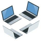 Computer portatile con lo schermo in bianco su fondo bianco Icona del computer portatile Illustrazione isometrica piana realistic Fotografia Stock Libera da Diritti