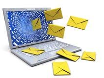 Computer portatile con posta Fotografia Stock