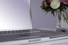 Computer portatile d'argento Fotografie Stock Libere da Diritti