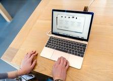 Computer portatile del Apple MacBook Pro Immagini Stock