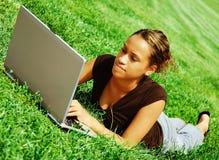 computer portatile della ragazza Fotografia Stock