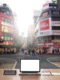 Computer portatile dello schermo in bianco Fotografia Stock