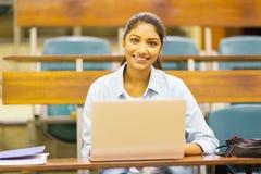 Computer portatile dello studente di college Fotografia Stock