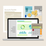 Computer portatile di applicazione del calcolatore dei soldi del software di contabilità di conto da pagare Fotografia Stock
