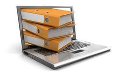 Computer portatile e cartelle (percorso di ritaglio incluso) Fotografia Stock