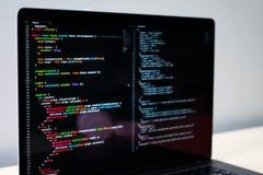 Computer portatile a fine frontale del ` s dello sviluppatore Fotografia Stock Libera da Diritti
