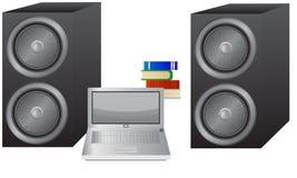 Computer portatile, libri ed altoparlanti Fotografie Stock