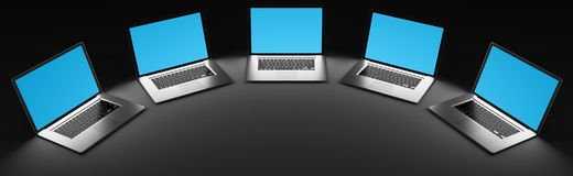 Computer portatile moderno cinque nella rappresentazione scura 3D Fotografie Stock