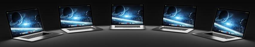 Computer portatile moderno cinque nella rappresentazione scura 3D Immagine Stock
